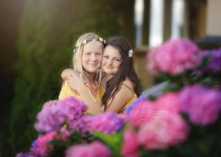 Friends are the people who make you smile brighter, laugh louder and live better ❤️ #photographernearme #mechanicsburgpa #mechanicsburgphotographer #mechanicsburgfamilyphotographer #camphillphotographer #camphillpa #bestfriendphotoshoot #bestiephotoshoot